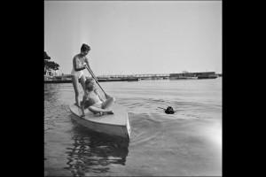LE-8e-FESTIVAL-DE-CANNES-1955-BRIGITTE-BARDOT-ET-BRIGITTE-FOSSEY